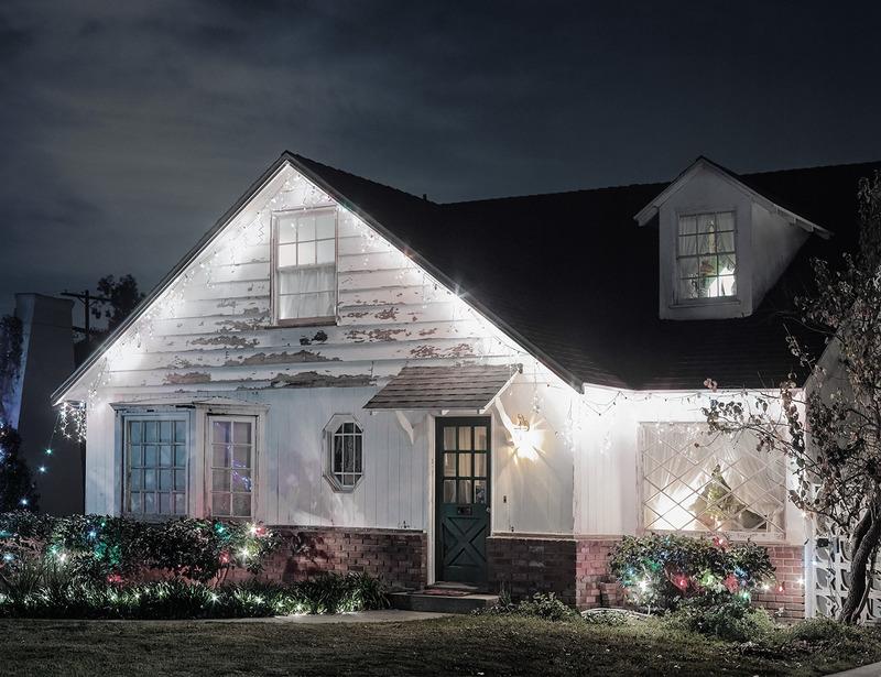 別墅夜晚風景圖