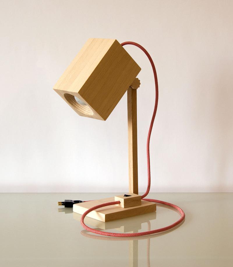 Bambetel 手工木质台灯