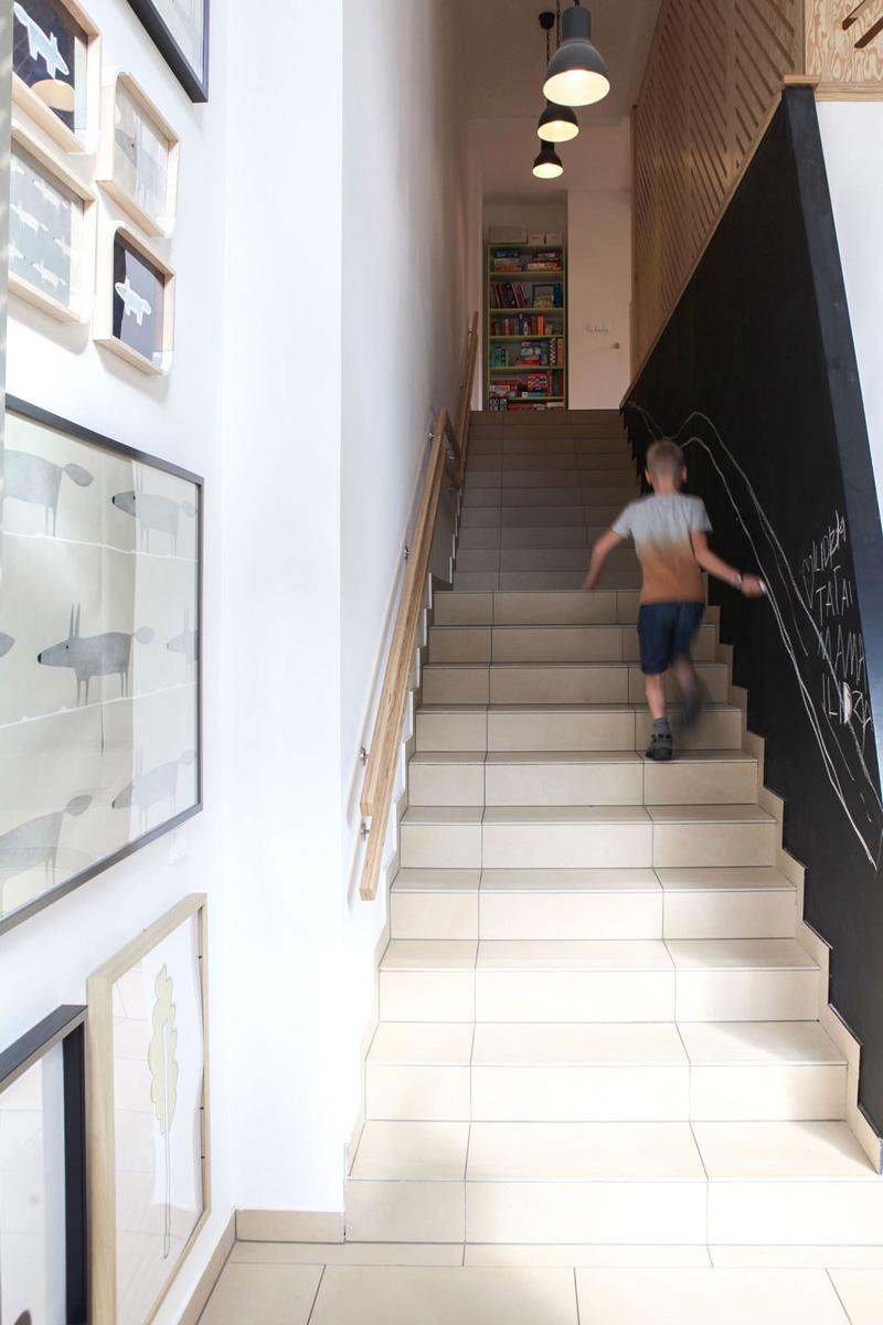 咖啡厅欧式复古楼梯扶手